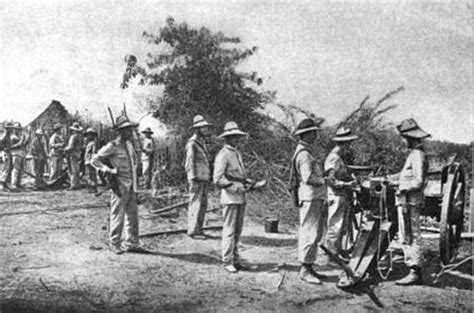 the philippine american war 18991902 18991913 spanish battery of two breechloading guns firing at the