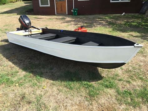 12 aluminum boat awesome 12 foot aluminum boat with 15hp motor outside