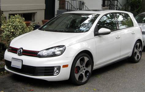 2011 Volkswagen Golf Gti by 2011 Volkswagen Gti Photos Informations Articles