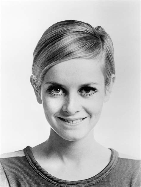 Twiggy Hairstyles by Iconic Supermodel Twiggy Started Out As A Haircut Test Subject