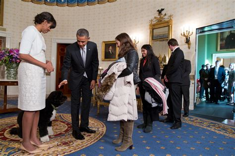 first dog in the white house file obamas greet visitors in white house jpg wikimedia commons