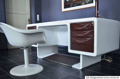 futuristic office furniture 70s office desk space age design futuristic furniture space age desks and offices