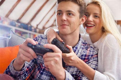 8 Reasons Gamers Make Better Boyfriends by 10 Reasons Why Can Make You A Better