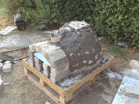 diy backyard pizza oven diy outdoor project pizza oven icreatived