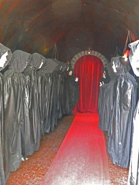 diy creepy decorations haunted house ideas and props diy haunted house props