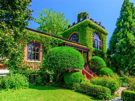 ivy and stone home on instagram live like htons royalty in the 4 3m red brick castle