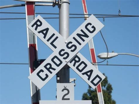 how many people died in chicago in 2016 how many people died at illinois railroad crossings in