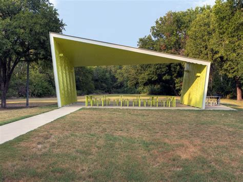 Pavillon Modern by A Modern Park Pavilion Rises In Dallas Photo 3 Of 7