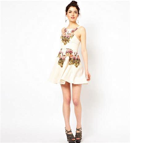 vestiti estivi a fiori i vestiti corti chic per l estate 2013