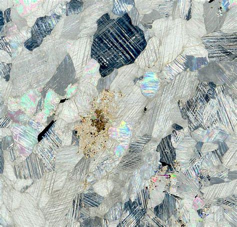 graphite thin section carbonatite