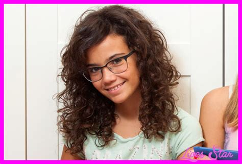 cute haircuts naturally curly hair cute haircuts for girls with naturally curly hair