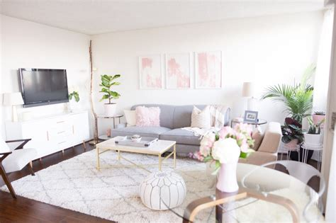home decor blogs small spaces mr kate omg we re coming over studio apartment design