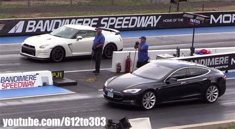 Tesla S Drag Race Tesla Model S Vs Nissan Gt R Drag Race Will Not