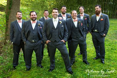 Backyard Wedding Groomsmen Pictures By Todd Photography Becky Kyle S Wedding