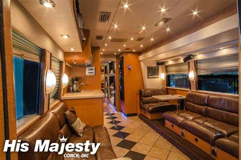 entertainer coaches and entertainer bus rentals with hmc