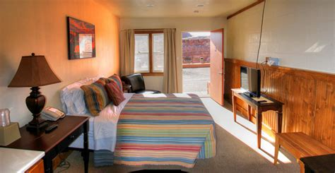 motel rooms near me motel near monument valley the san juan inn san juan inn mexican hat and monument valley