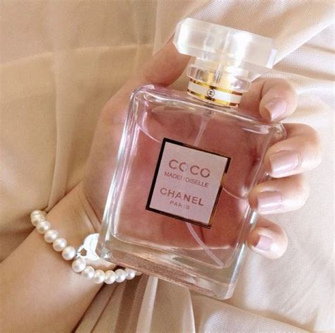 7 Perfumes For The Girly by 17 Best Images About A Feminine Touch On