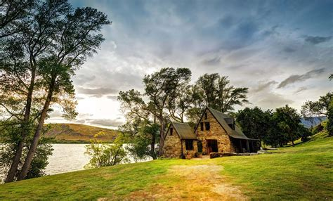 the barn on lake hayes queenstown new zealand