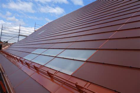 Tuile Solaire Photovoltaique by Premi 232 Re En Suisse La Tuile Solaire Solar Terra Chez