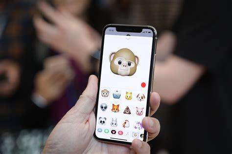apple  launch  bigger iphone    year