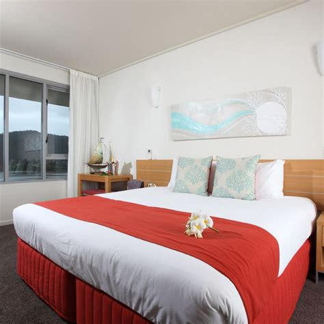 3 bedroom apartments airlie beach peppers airlie beach whitsundays