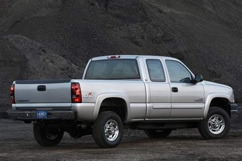 electric and cars manual 2006 chevrolet silverado hybrid parking system 2001 2006 chevrolet silverado 2500 hd used truck review autotrader