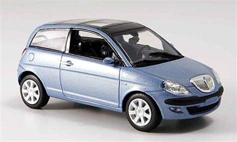 Lancia Ypsilon 2003 Lancia Ypsilon Blue 2003 Mcw Diecast Model Car 1 43 Buy