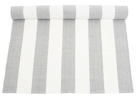teppich grau weiß gestreift 25 best ideas about teppich grau on graue