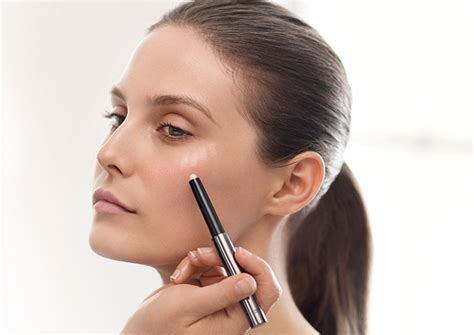 Eyeshadow Untuk Kulit Berminyak tips makeup untuk kulit wajah berminyak dailywuz
