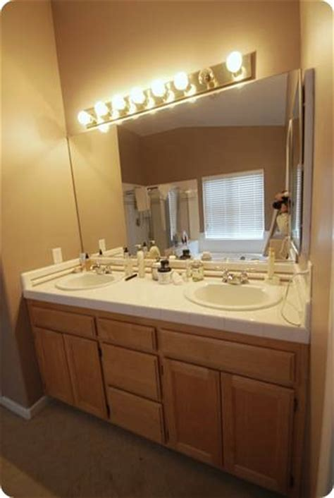 bathroom vanity painting before and after budget bathroom makeover linky centsational girl
