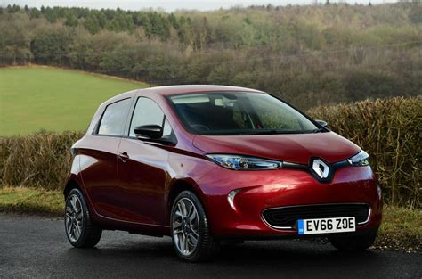 renault zoe 2018 renault zoe named best green car at firstcar awards 2018