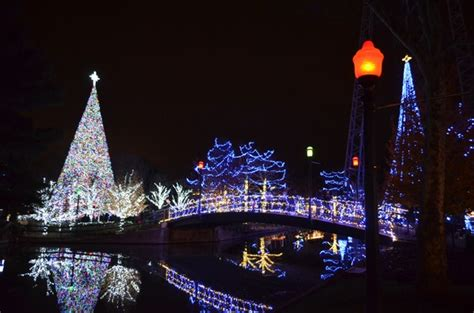 win tickets in our kennywood holiday lights giveaway
