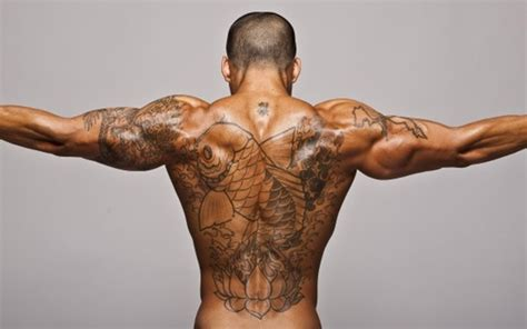 tattoo care mistakes 10 tattoo aftercare mistakes to avoid the tattoo editor