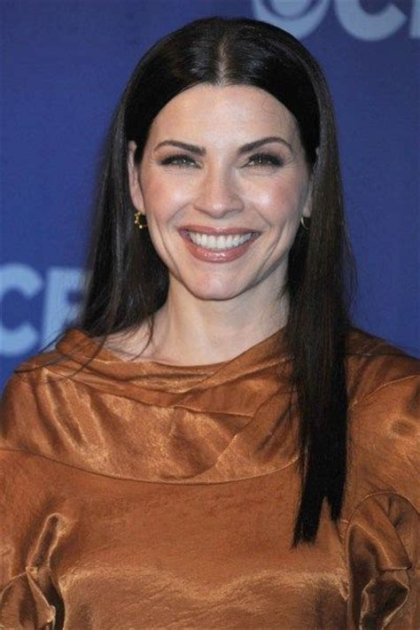 julianna margulies new hair cut 240 best julianna margulies images on pinterest