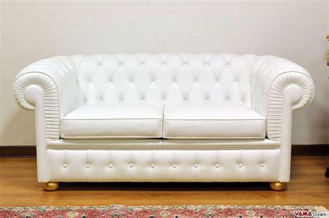 chesterfield divano divano chesterfield 2 posti prezzo rivestimenti e misure