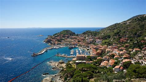 isola giglio isola giglio holidays book cheap holidays to isola