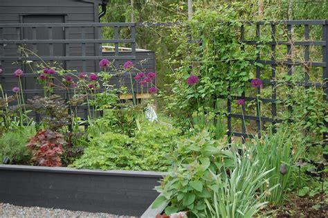 narrow backyard landscaping ideas triyae narrow backyard landscaping ideas various