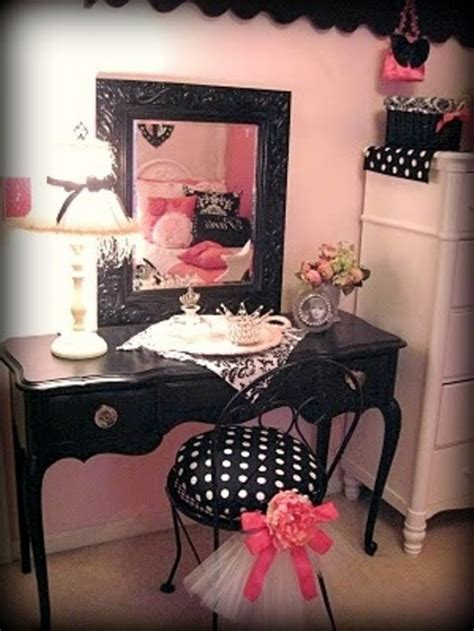 create  charming girls room  paris style