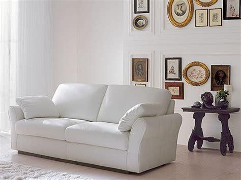 divani damascati salotto classico salotto in pelle divano in tessuto