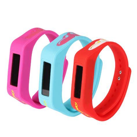 Gps Tracking Bracelet Device,Silicone Waterproof Gps Bracelet Tracker   Buy Gps Tracking