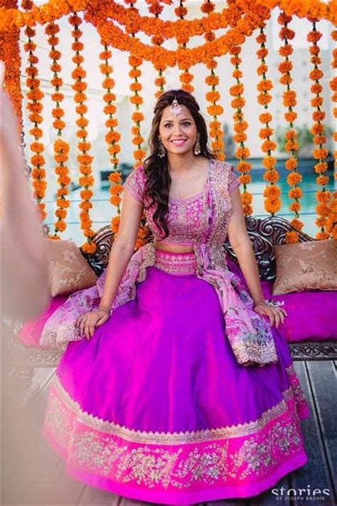 hairstyles for short hair on lehenga 14 best images about lehenga hairstyles on pinterest