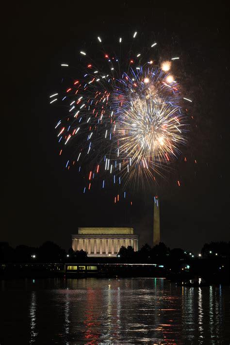 file fourth of july fireworks at washington dc 2 jpg