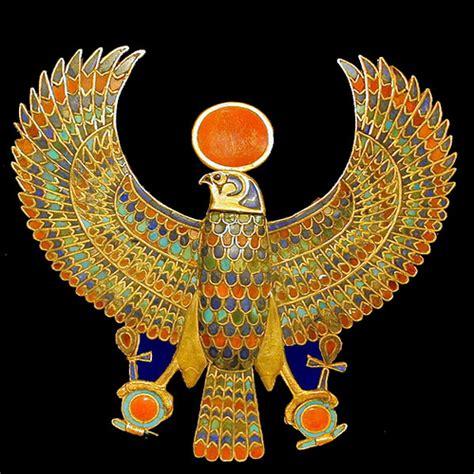 design artefacts meaning bijou de la tombe de tout 226 nkhamon mus 233 e du caire egypte