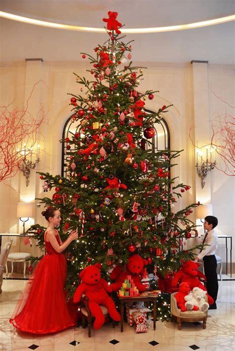 christmas  hotel plaza athenee paris france       elegant christmas beautiful