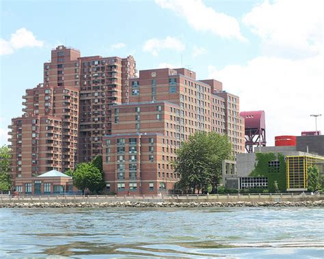 Apartments Island Apartment Buildings Roosevelt Island East River New