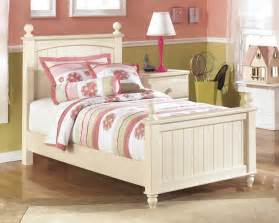 Cottage Retreat Daybed Furniture Pretty Headboards On Home Furniture Beds Headboard