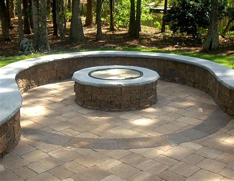 keystone pit firepit pavers keystone country manor and hton blend