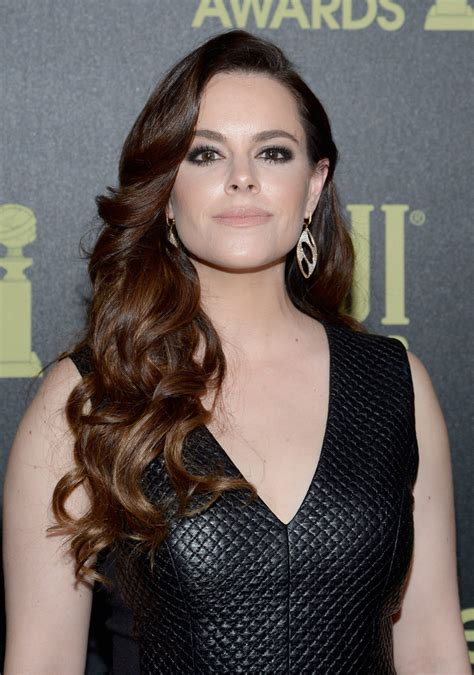 Golden Globe Red Carpet Fashion by Emily Hampshire Long Hairstyles Long Curls Quehglcw1cx Jpg