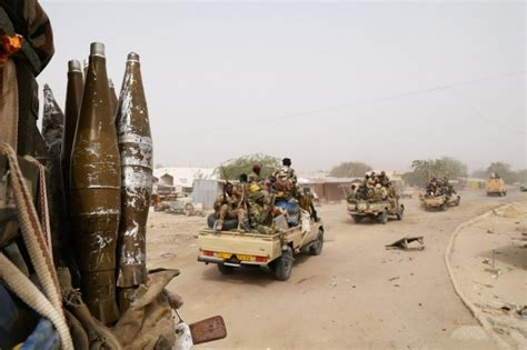 boko haram pushed out of two nigerian towns news dw de 10 03 chad niger troops push boko haram out of 2 towns al