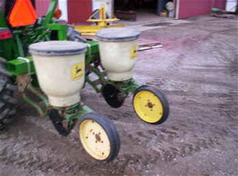 Deere 71 Planters For Sale by Used Farm Tractors For Sale Deere 71 Two Row Planter 2009 03 10 Tractorshed
